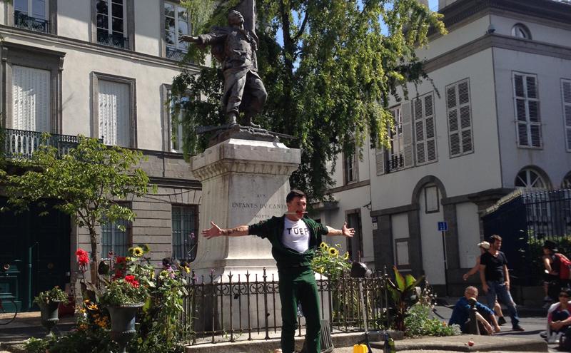 """""""Jean, solo pour un monument aux morts"""", la commémoration coup de poing de Patrice de Benneditti"""